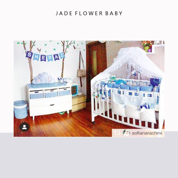 Pretty nursery for @sofianarachmi, with diaper nest, baby bumper set and mosquito netting from Jade Flower Baby